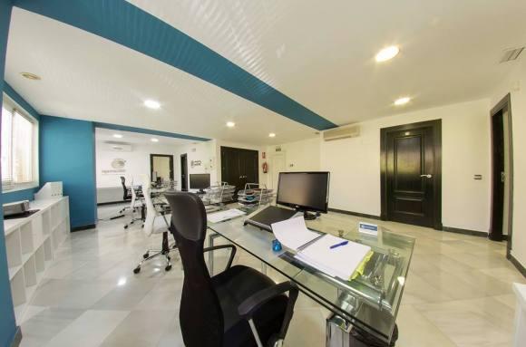 Centro de negocios con coworking Badajoz CENTRO DE NEGOCIOS BADAJOZ (CNB)